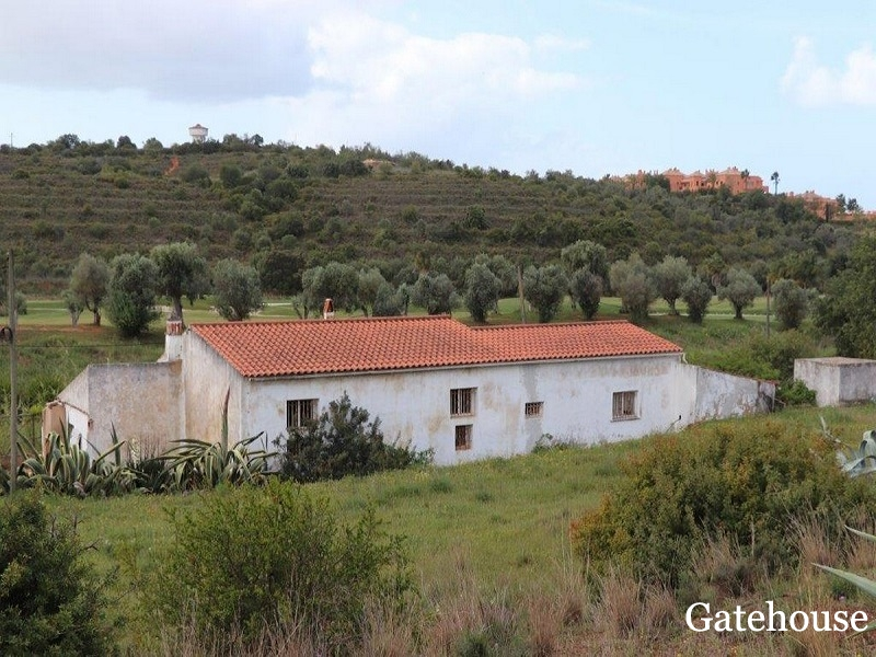 Algarve 5 Bed Property For Sale In Alcantarilha On A Golf Course