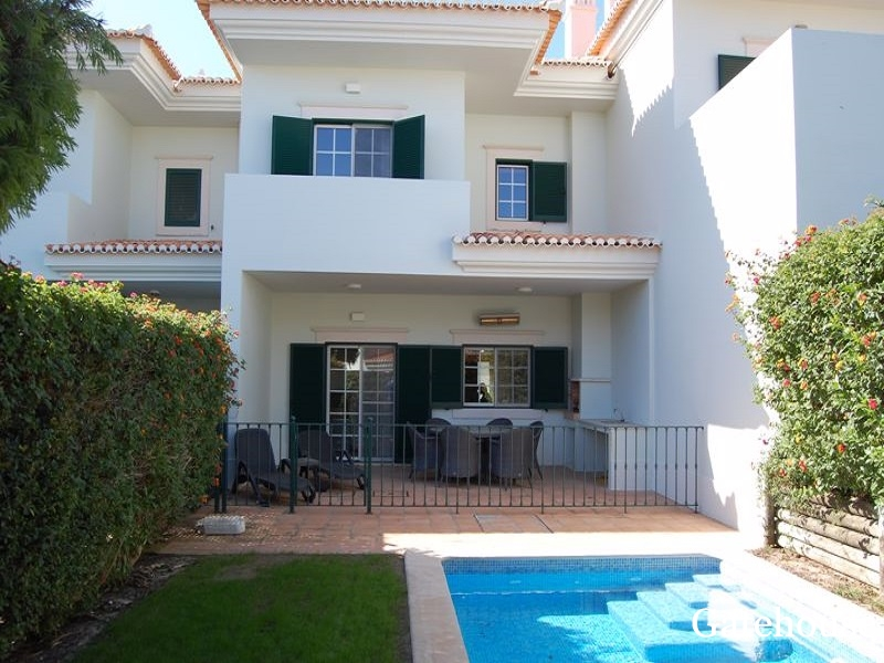 Bargain Property For Sale In Quinta do Lago Algarve