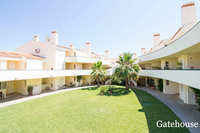 Vale do Lobo Golf Apartment For Sale In Quadradinhos