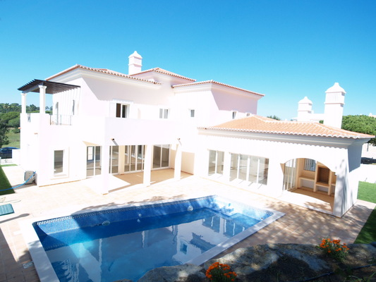 Reduced Property Adjacent To Vale Do Lobo Gatehouse