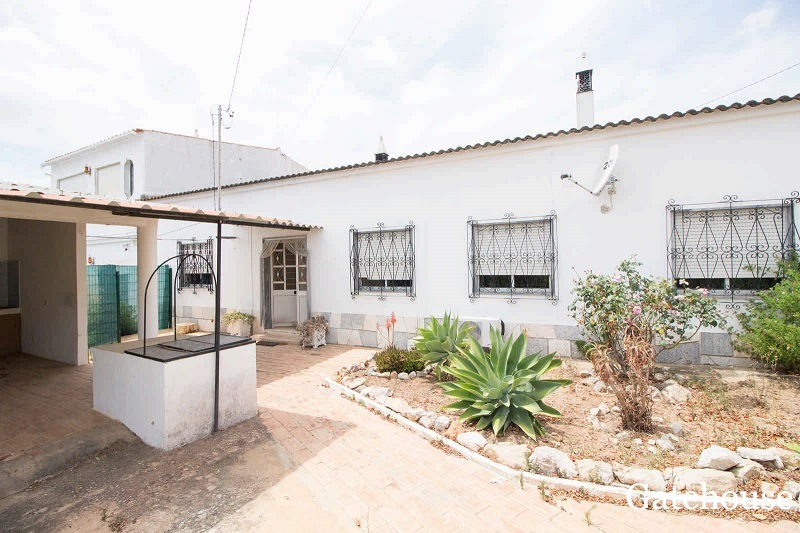 2 Linked Villas With 4 Beds In Sao Bras Algarve