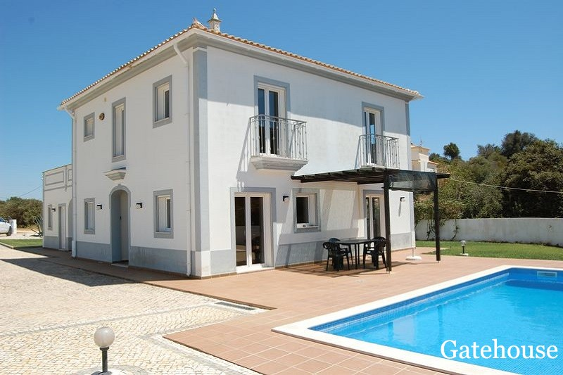 3 Bed Villa & 1 Bed Annexe In Central Algarve For Sale
