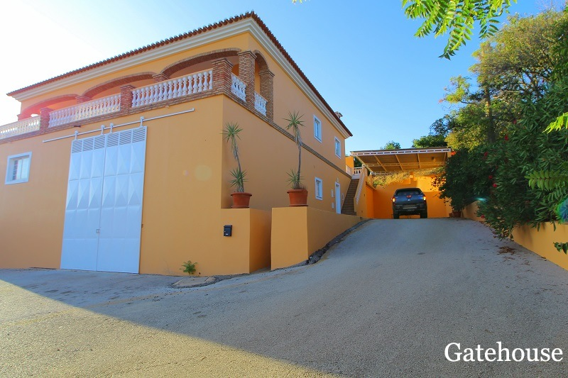 3 Bed Villa With Warehouse & 1.8 Hectare In Silves Algarve