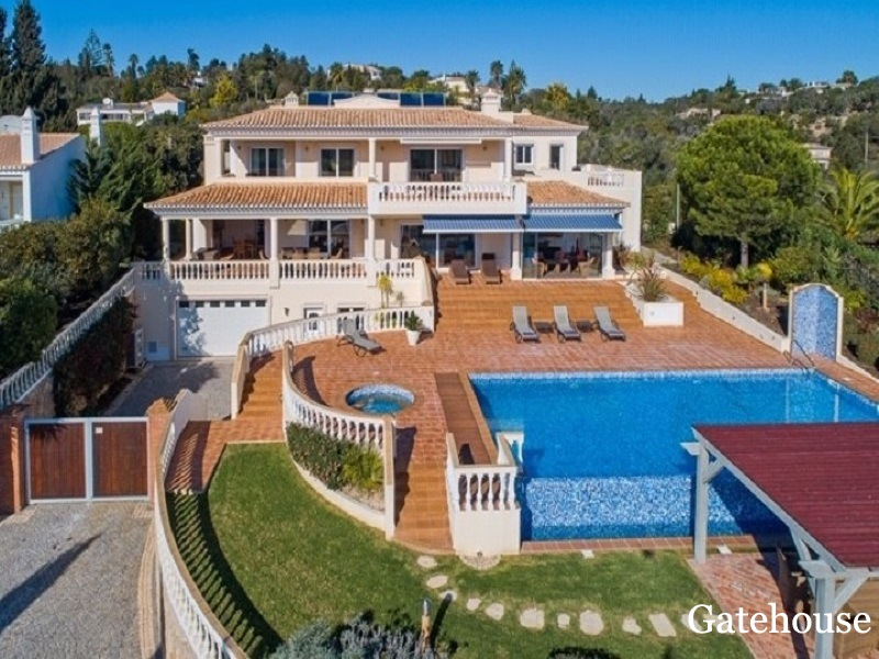 6 Bed Villa For Sale in Funchal Lagos Algarve