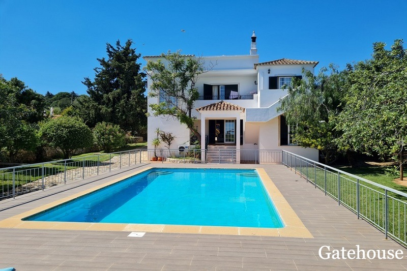 5 Bed Villa In Quinta Raposeiras St Barbara Algarve