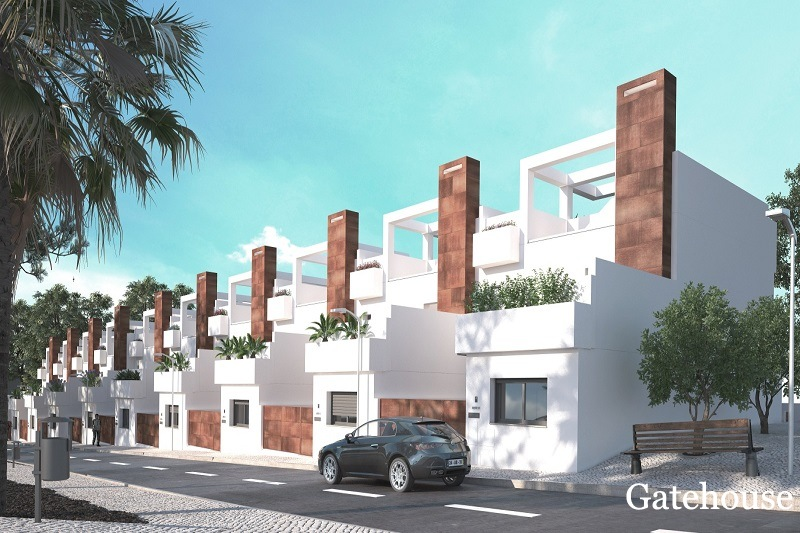 Brand New 3 Bed Townhouses With Own Pool in Fuseta Algarve