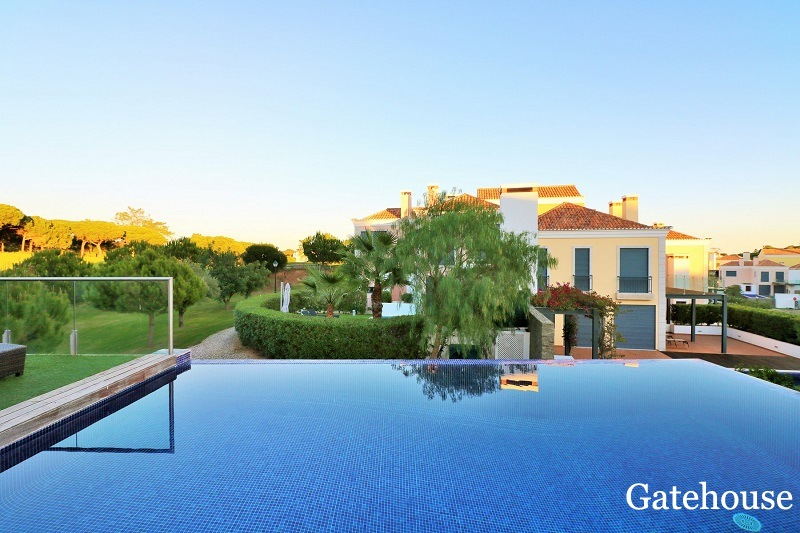 Golf View 2 Bed Apartment With Infinity Pool In Vale do Lobo Algarve