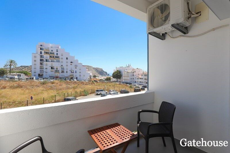 Sea View 1 Bed Renovated Apartment In Lagos Centre Algarve