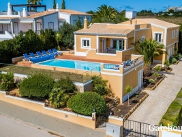 "<p style=""font-weight:bold"" align=""center"">Luz €699,000</p><p align=""center"">Sea Views</p><p align=""center"">Detached villa with 5 beds & 6 baths with swimming pool..."