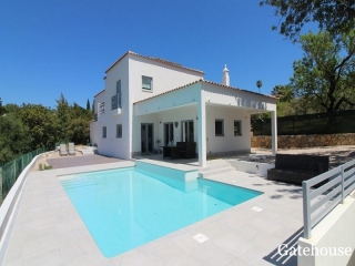 Loule €890,000Coastal ViewsDetached villa with 3 beds, 3 baths with swimming pool…